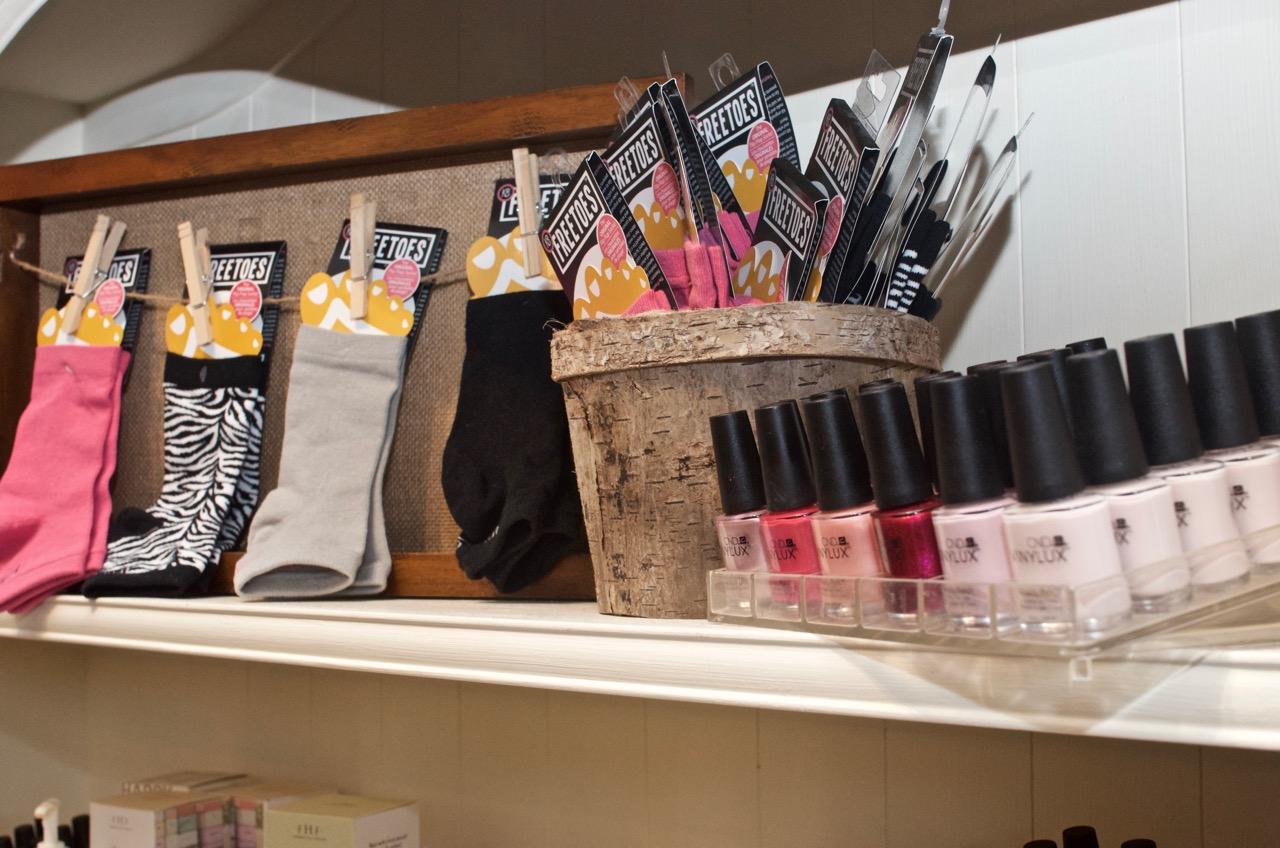nail shelf 2