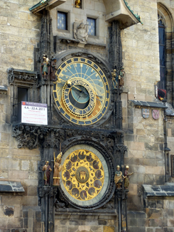 2011-04-05 astronomical clock.png