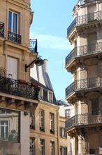 paris.balconies