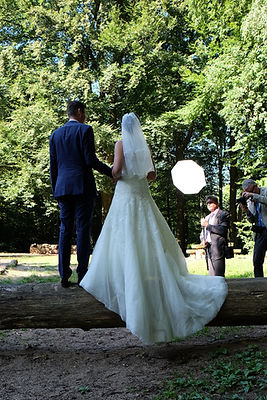 Carsten Plückhahn Making-Of BTS Brautpaar im Wald Blitz Lichtfühler Fotografie