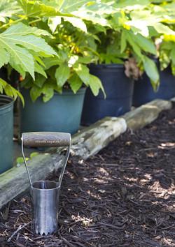 Joseph Bentley Traditional Garden Tools Stainless Steel Short Handled Bulb Planter 2