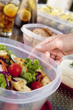 Rubbermaid Plastic Easy Find Lid Food Storage Set, 42-Piece 3