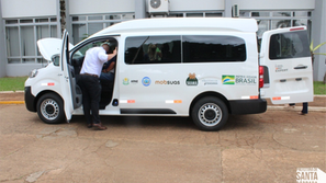 Executivo de Santa Bárbara recebeu nova Van para Apae