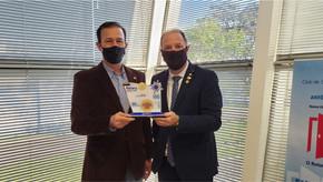 Companheiros do Rotary Club de Santa Bárbara receberam Título Paul Harris