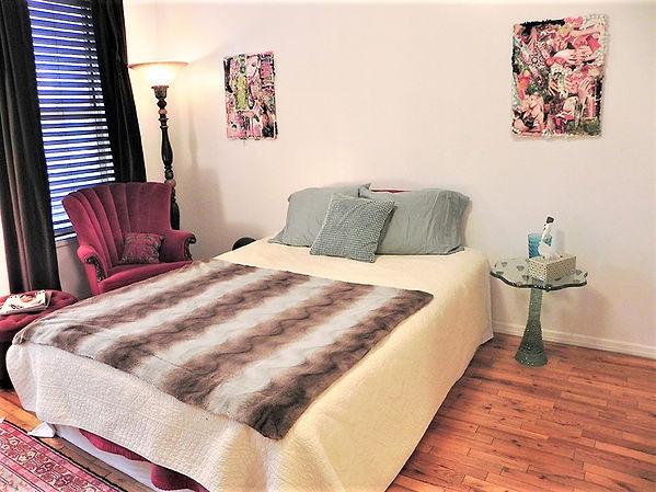 Apt.2.Bedroom5.jpg