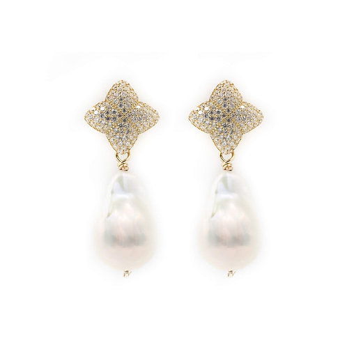 Alicia Gold Baroque Pearl Earring