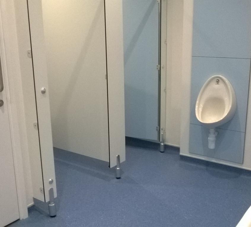 Toilet refurb 1 (Medium)