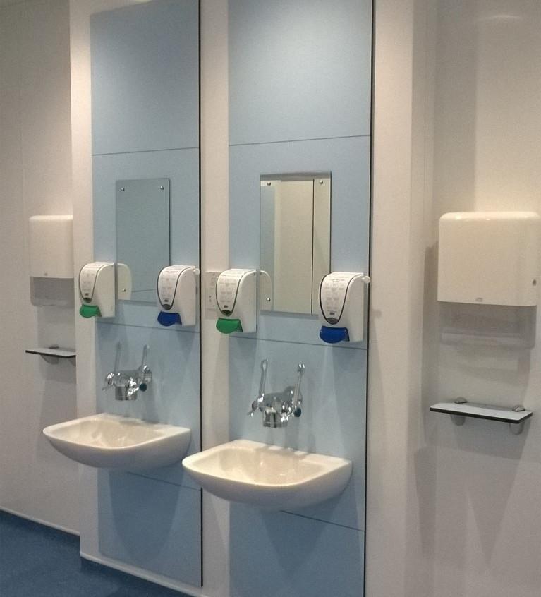 Toilet refurb 2 (Medium)