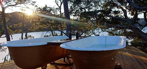 Outdoor bath tubs