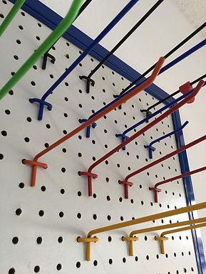 Accesorios Panel Ranurado, Perforado y Exhibimalla