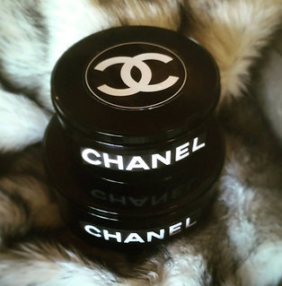 VINTAGE CHANEL  INSPIRED MAKE-UP/JEWELRY TIN