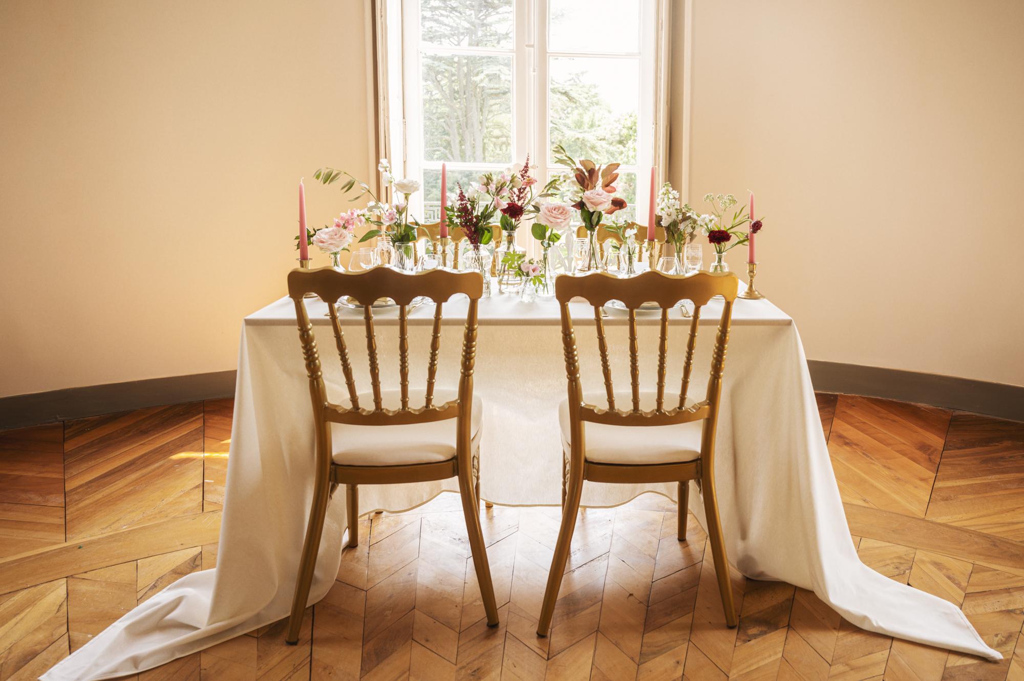 Fine art wedding dinner in France