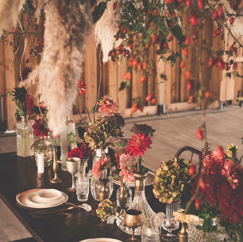 Bright wedding style