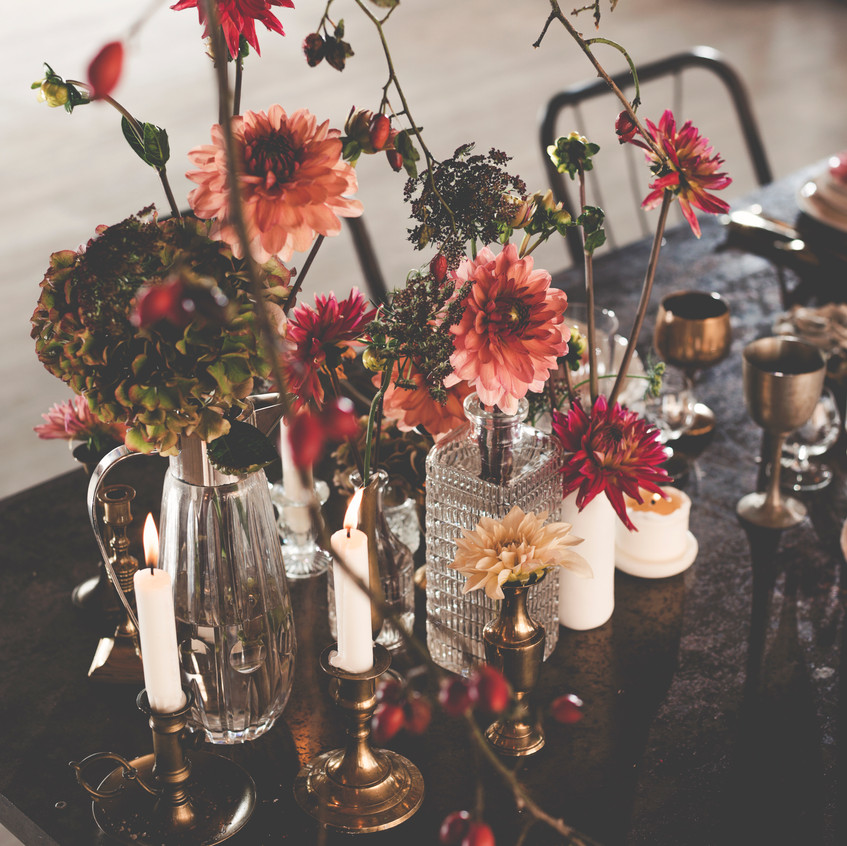 Wedding flowers - dinner set-up