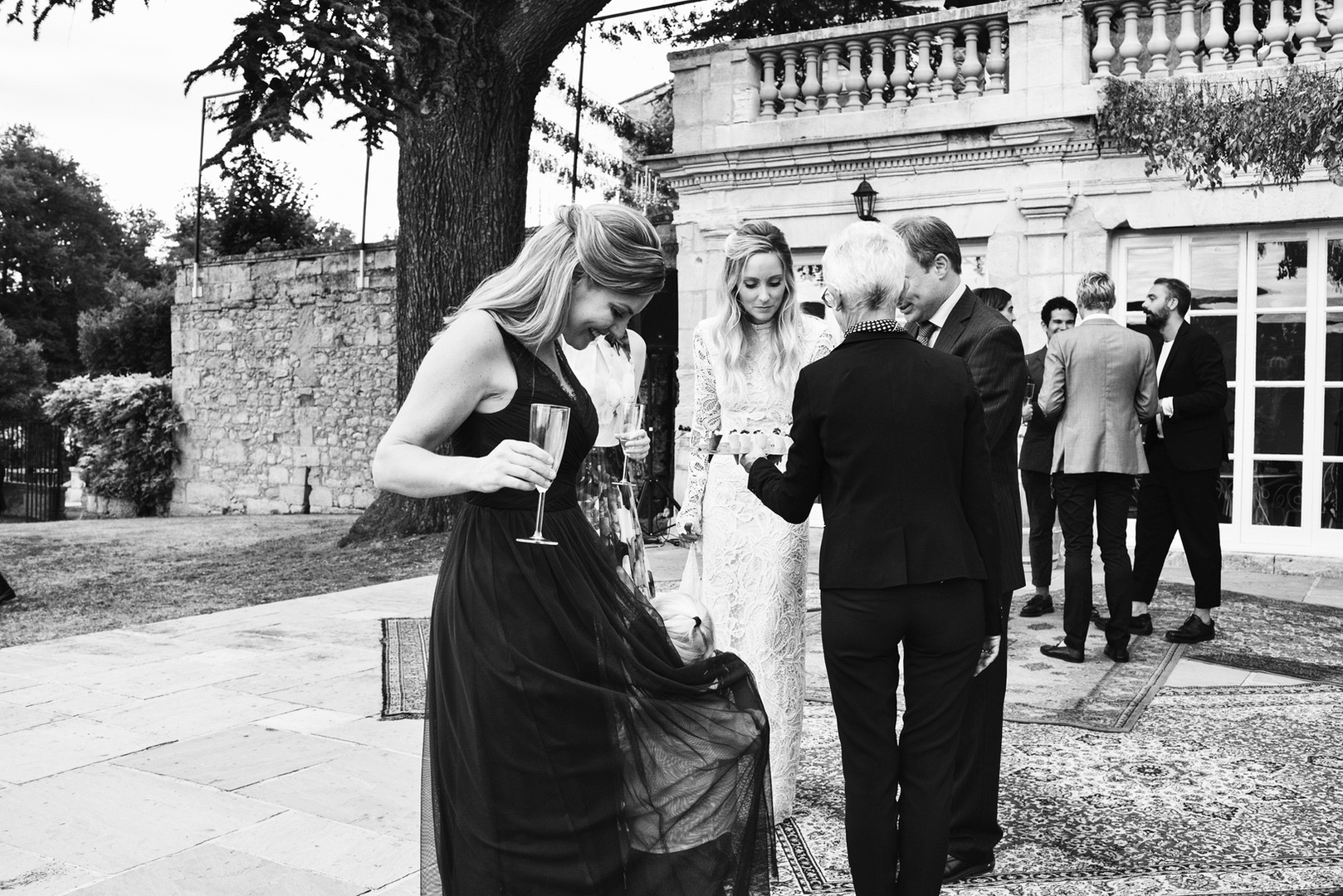 Awardweddings.fr__B&W Candid_039.jpg