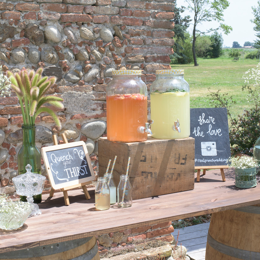 Vintage wedding styling - bar