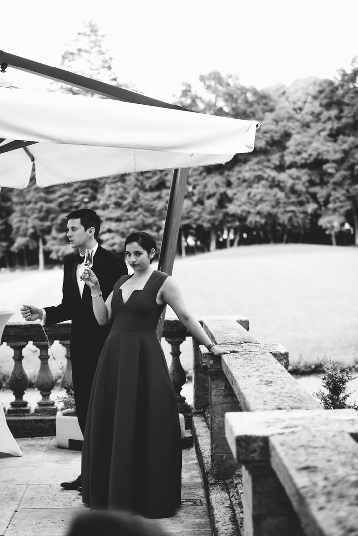 Awardweddings.fr__B&W Candid_032.jpg