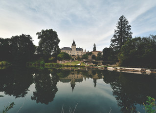 Elegant chateau wedding in South West France, by top destination wedding photographer in France