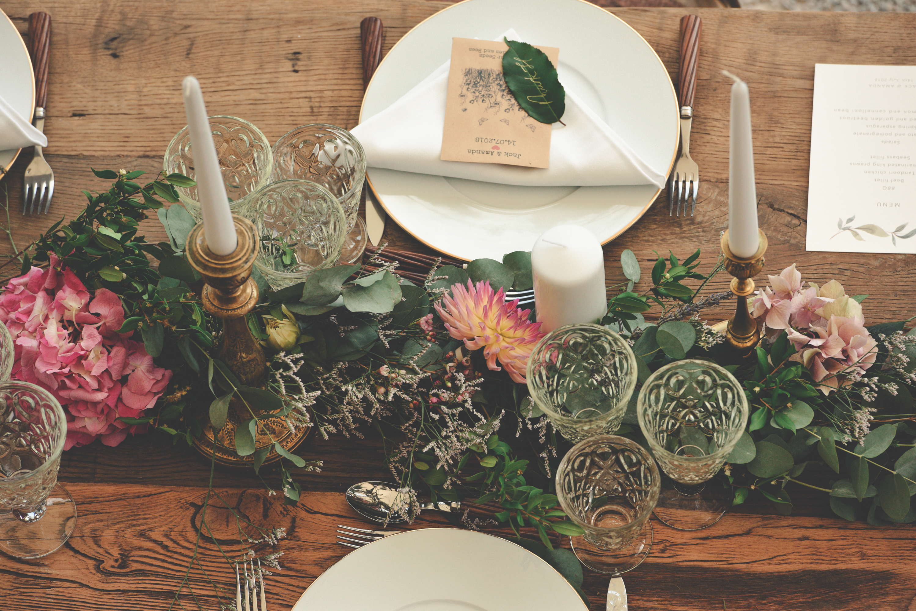 Wedding dinner table decorations