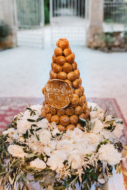 French wedding cake croquembouche