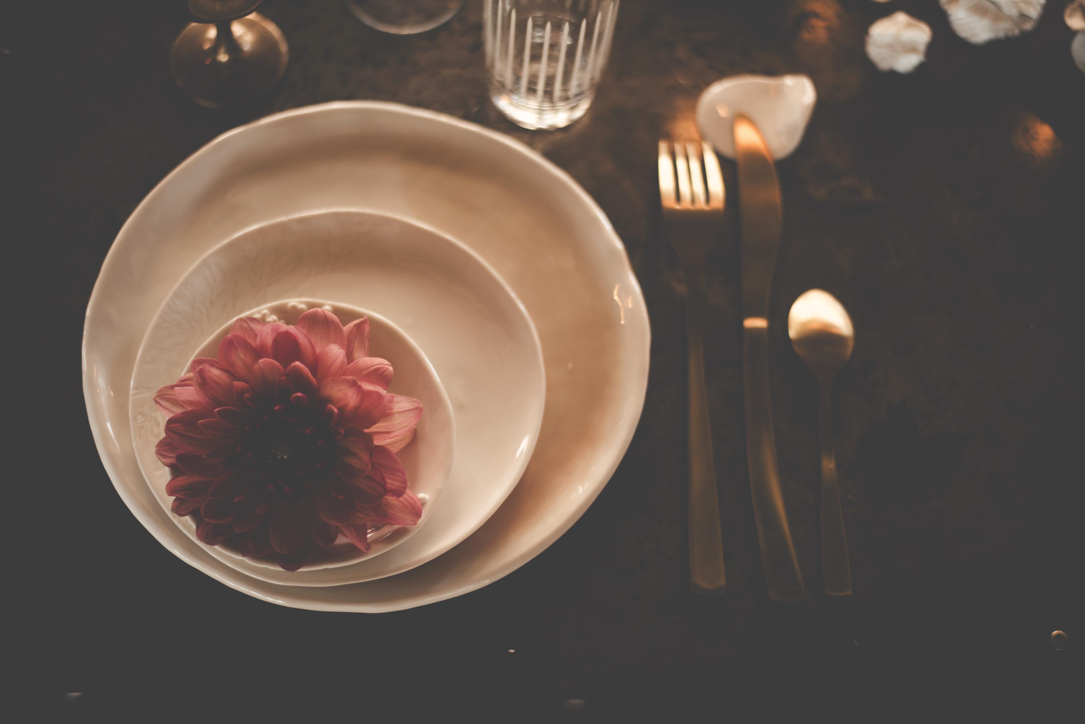 Wedding dinner tableware