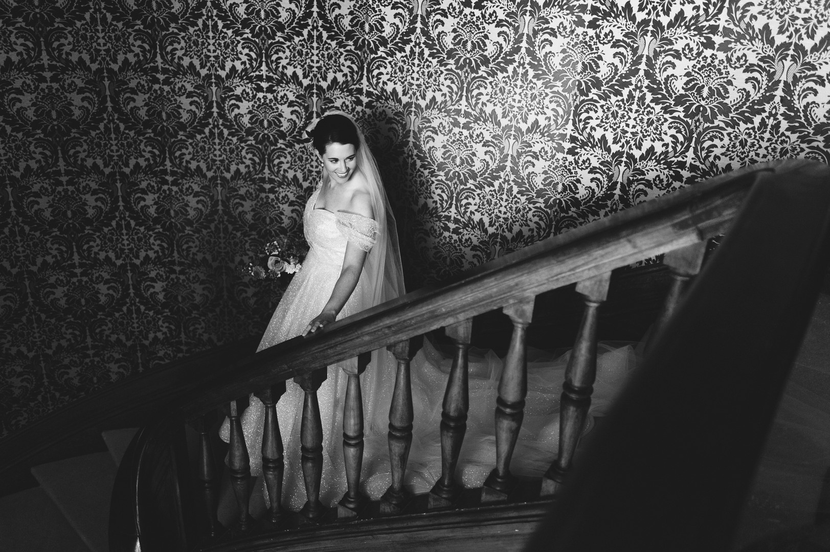 Awardweddings.fr__B&W Candid_050.jpg
