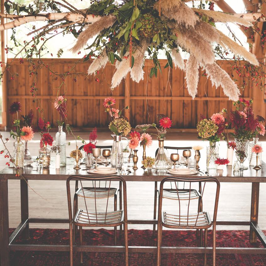 Elegant wedding dinner style