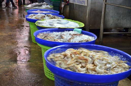 感染源は隣国ミャンマーの人とモノ タイで再びロックダウンへ