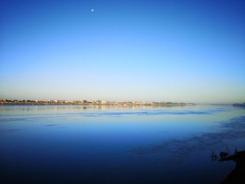 本誌スクープ:「青の脅威」メコン川大渇水 流域を犠牲に中国が利益独占