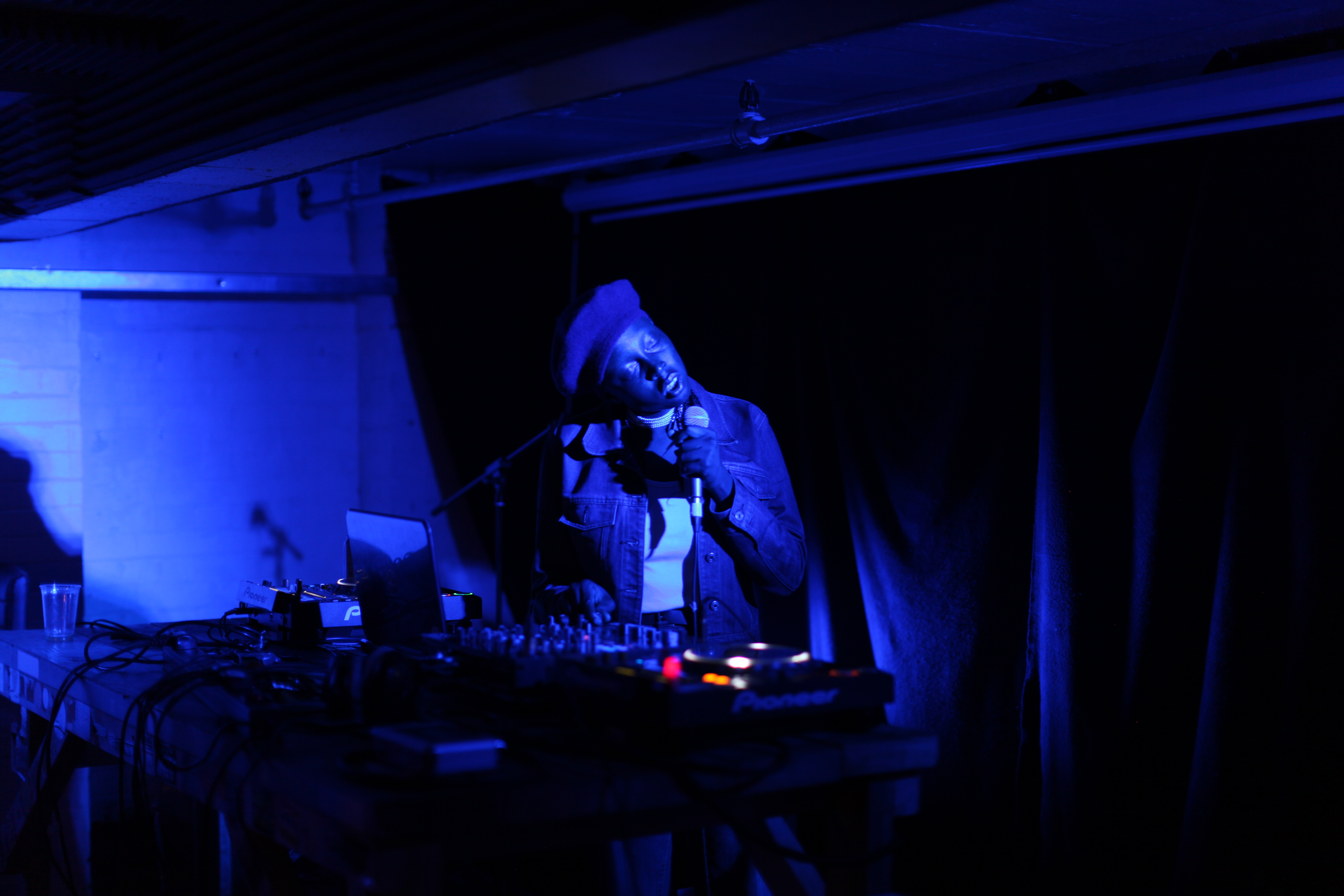 Klein Live at Rye wax Record shop, Peckham Curl event 2016