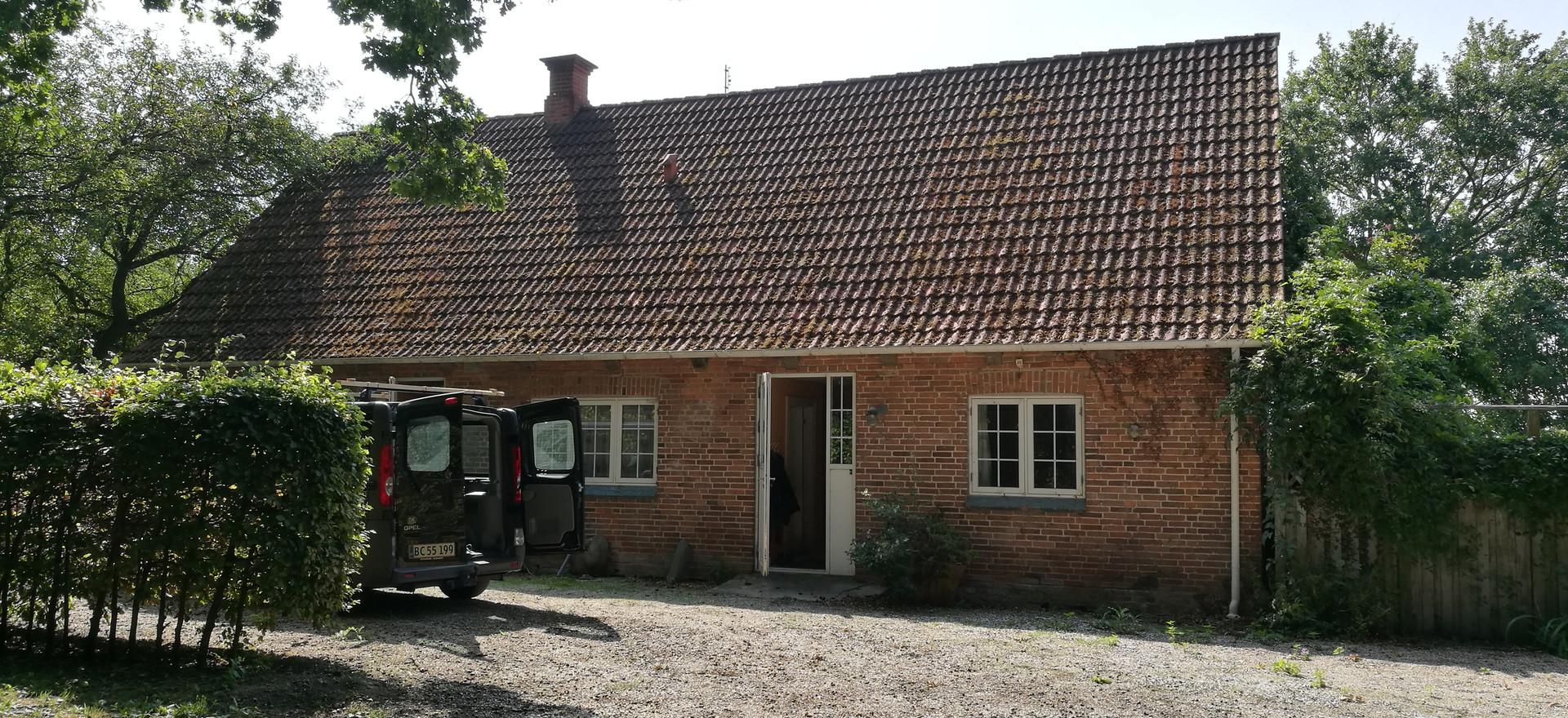 Skovhuset er et lille hus vi har lejet af Knuthenborg Gods.