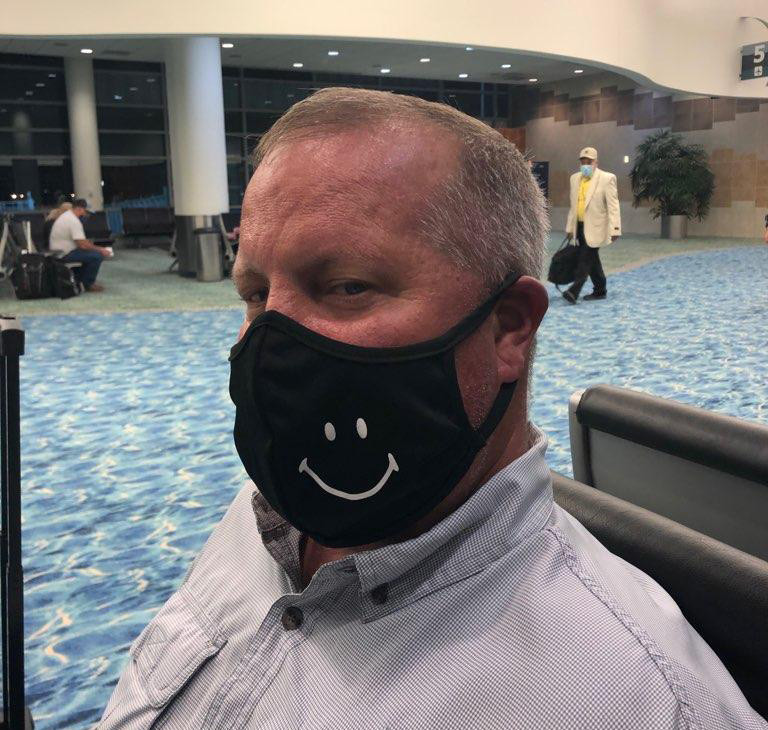 Happy Mask Customer