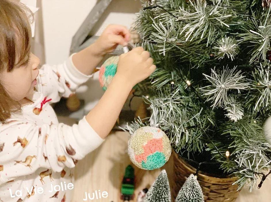 Créer des boules de Noël - Activités Montessori