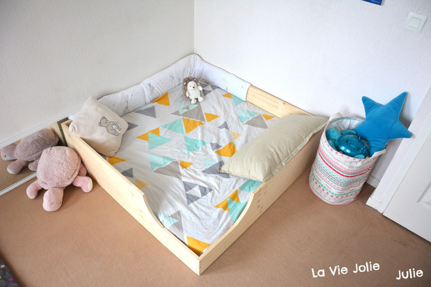 lit au sol pour b b 2 nouvelle version montessori cie activit s pour tout petits. Black Bedroom Furniture Sets. Home Design Ideas