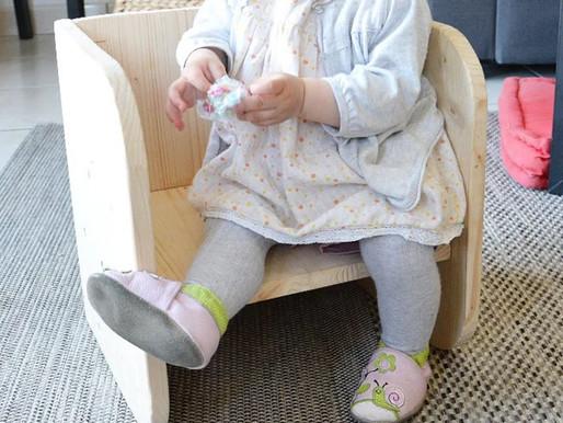 Notre chaise évolutive (ou cube Montessori)