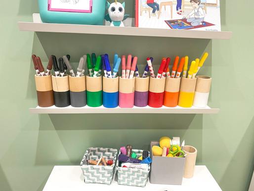 Aménager son espace créatif - pots à crayons Montessori