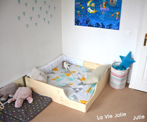 lit au sol pour b b 2 nouvelle version montessori cie. Black Bedroom Furniture Sets. Home Design Ideas