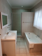 Room 18 bathroom2.jpg