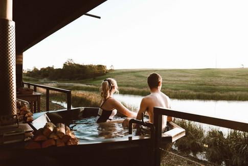 Hot Tub - Buff & Fellow - Dear Travallur