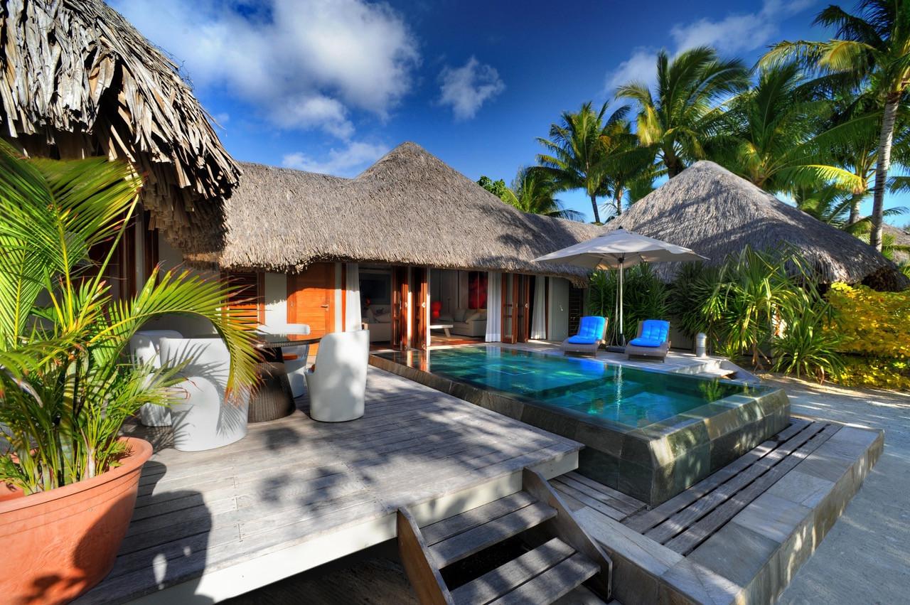 Premium Beach Pool Villa (2 bedroom)