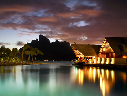 four-seasons-bora-bora-reception-night.j