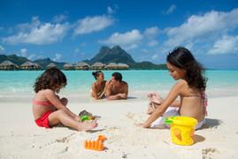 BOB_Pearl Beach Resort. family (3).jpg