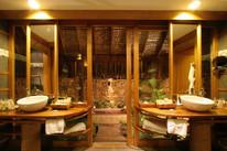 Royal-Villa-Bathroom.jpeg