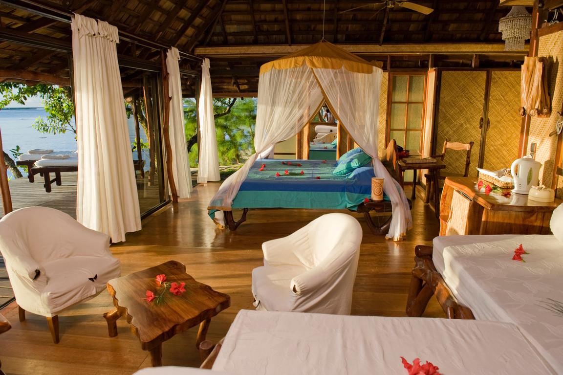 TAHAA Vahine Island Beach Suite 9.jpeg