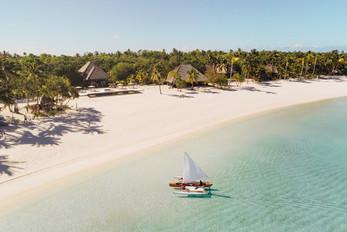 Nukutepipi-beach-lagoon.jpeg