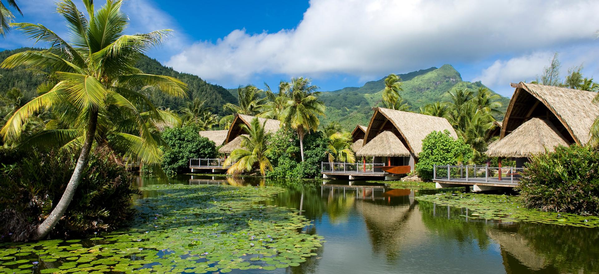 Premium Lake Bungalow