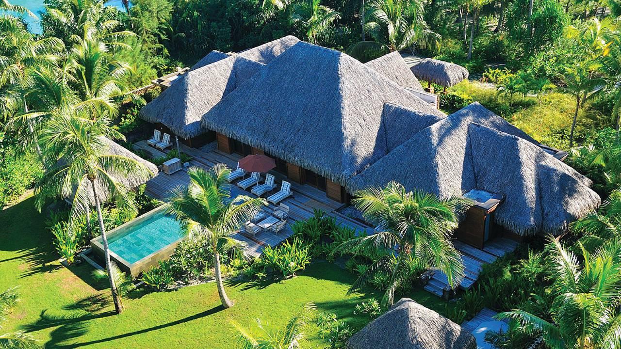 Three Bedroom Beachfront Villa Estate w/Pool