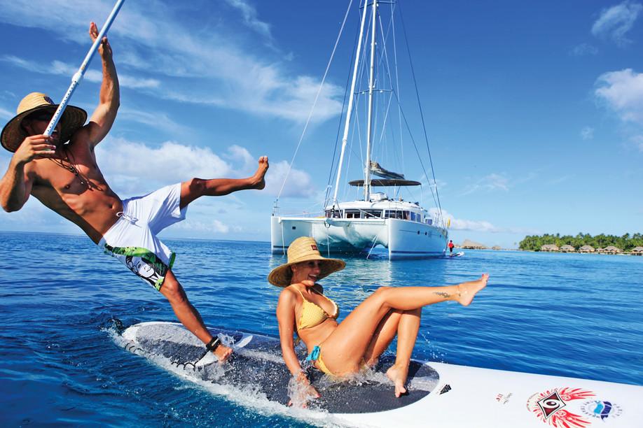 paddle-tahiti-yacht-charter.jpg