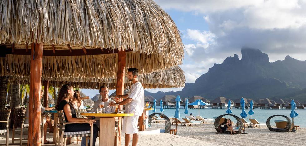 Fare Hoa Beach Bar & Grill