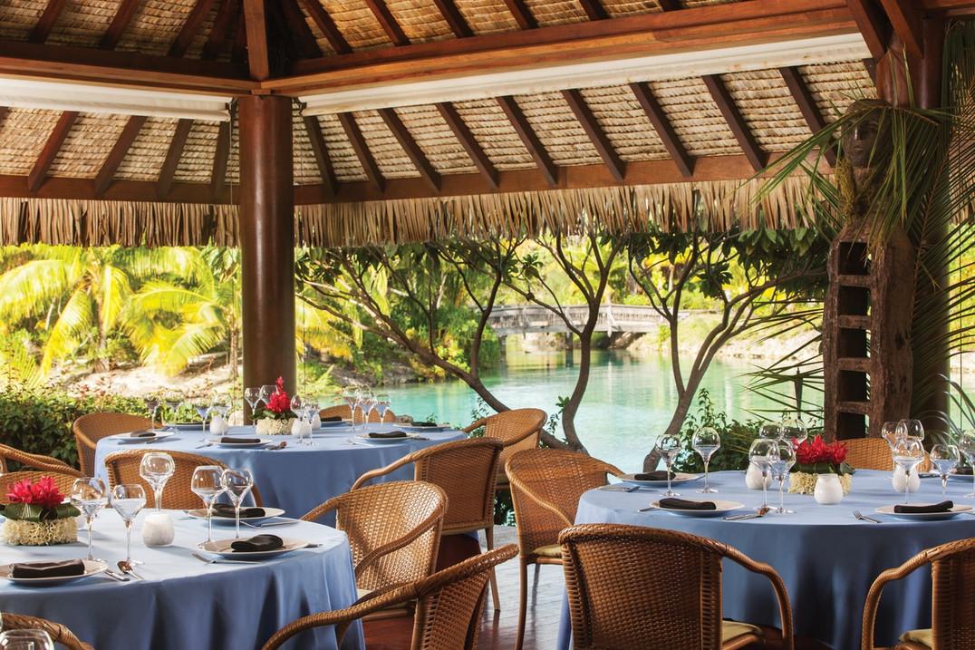 four-seasons-bora-bora-restaurant.jpeg